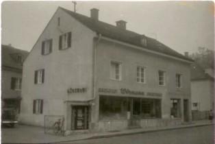 1966: Mit Backwarenautomaten