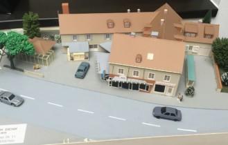 1999: Modellbau des Anwesens